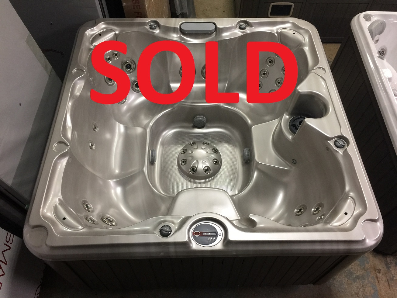 Certified pre-owned Sundance Spas 680 series Edison hot tub spa hot tubs Ontario