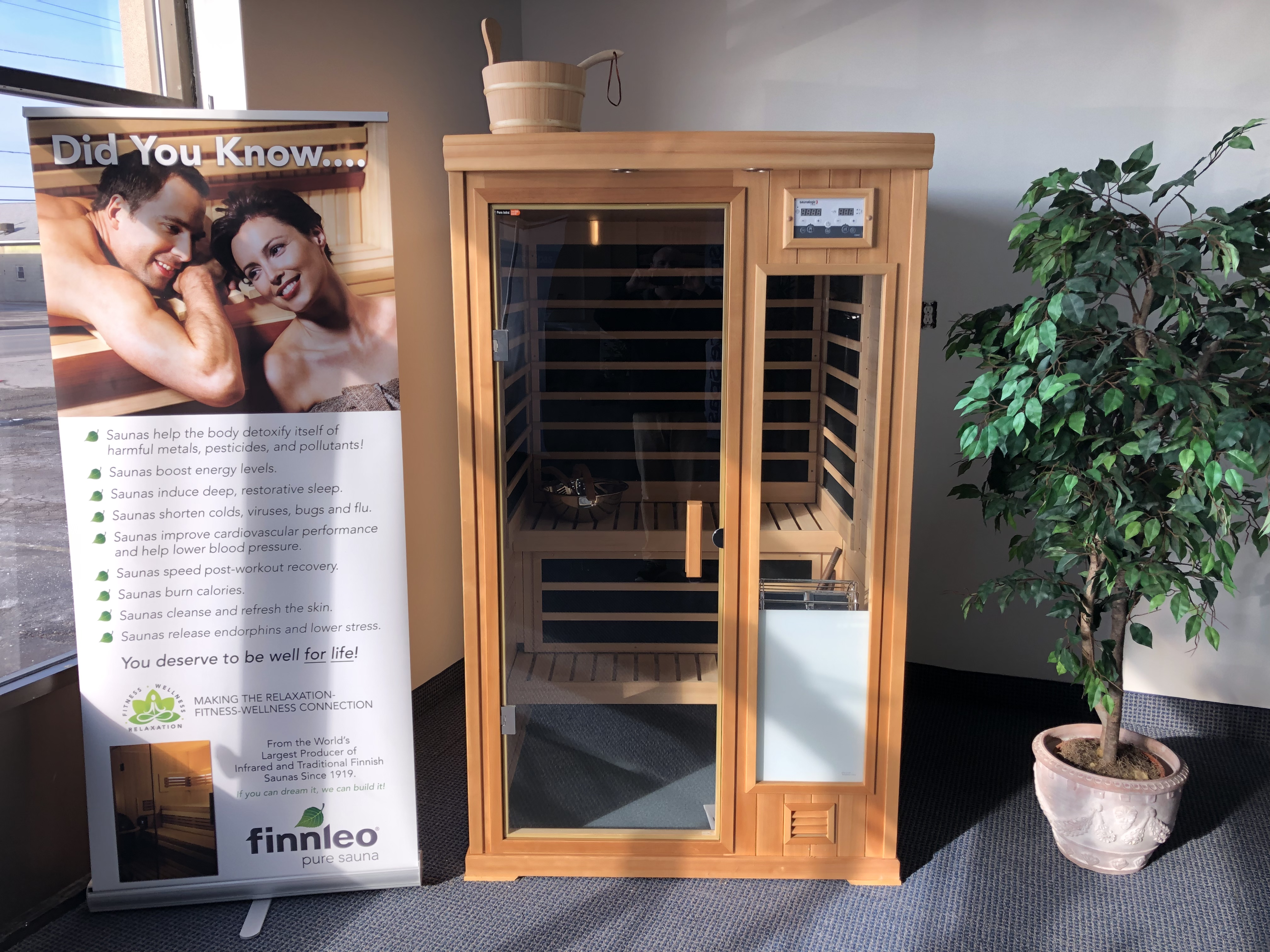 Finnleo Saunas hybrid combination infrared and traditional sauna store sales specials near me St Catharines Niagara Ontari
