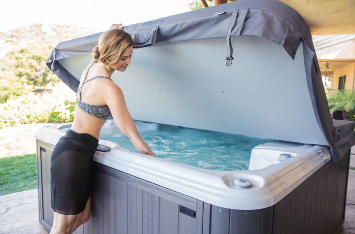 Sundance Spas hot tub hot tubs cover Jacuzzi, Ontario, Oakville, Burlington, Mississauga, Toronto, Milton, Waterdown, Vaughan