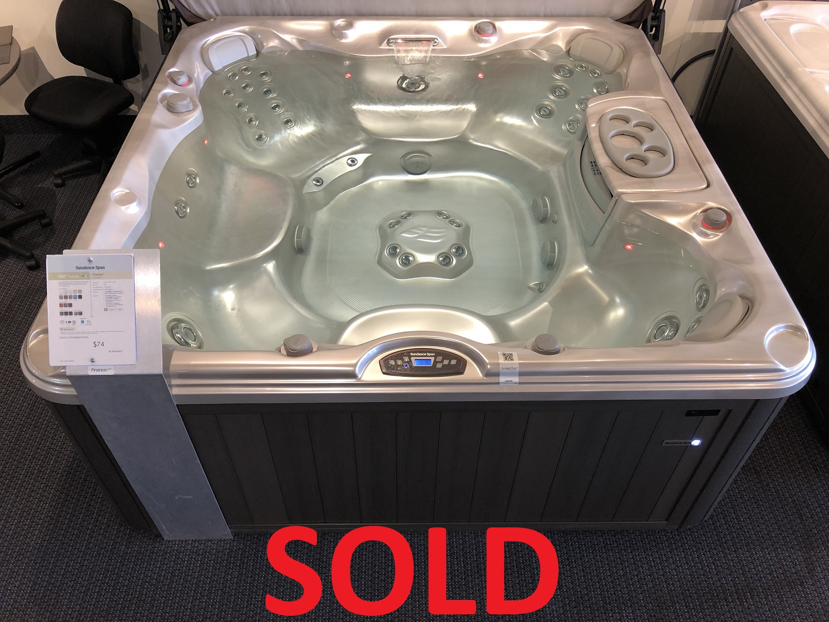 Sundance Spas Chelsee 7 person hot tub hot tubs near me St Catharines Niagara Ontario