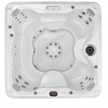 McKinley® - 680™ Series Hot Tub